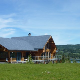 Little Black Bear Lodge B&B